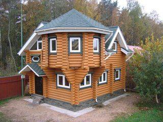 Дома из бревна с эркером в Санкт-Петербурге