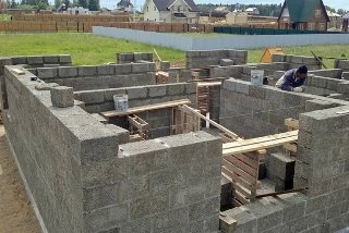 Строительство домов из опилкобетона в Санкт-Петербурге под ключ