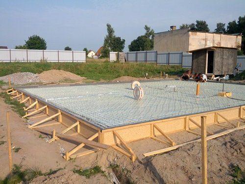 Строительство плитного фундамента в Санкт-Петебурге