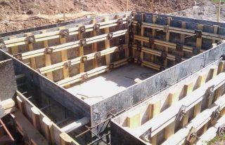 Строительство ленточного фундамента с подвалом