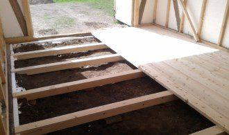 Монтаж деревянного пола в гараже под ключ