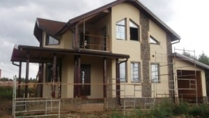 Строительство дома под ключ с коммуникациями в СПб