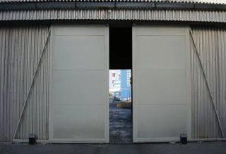 Откатные ворота гаражные в Санкт-Петербурге