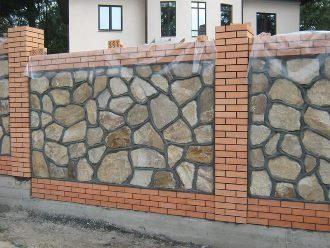 Забор из камня под ключ в Санкт-Петербурге