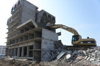 Демонтаж зданий и сооружений в Санкт-Петербурге